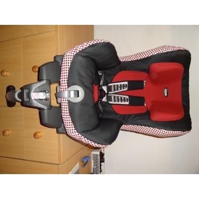 Römer Safefix ISOFIX Plus 9-18 kg-ig használható